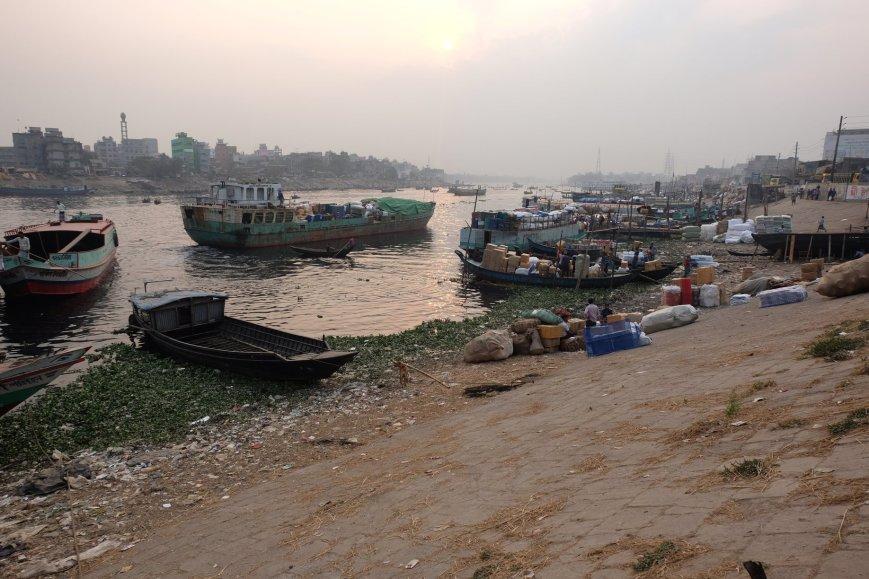 Dhaka dirt river port