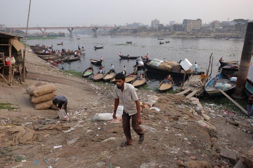 Dhaka dirty river port