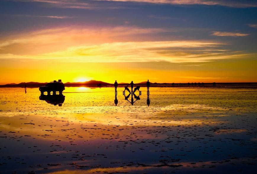 Uyuni Bolivia espejo mirror at sunset
